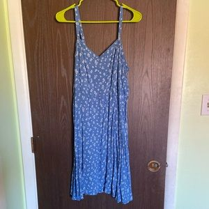 Torrid rayon blue pattern dress.